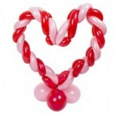 Розово-красное сердце витое из длинных воздушных шаров