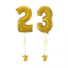 Фонтан с цифрами 23 воздушными шарами