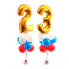 Фонтан с цифрами 23 и круглыми воздушными шарами триколор